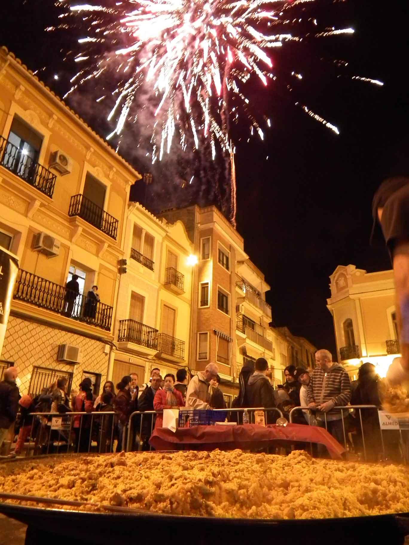 El fin de una gran fiesta nuestra paella gigante para 1000 personas www.originalpaella.com