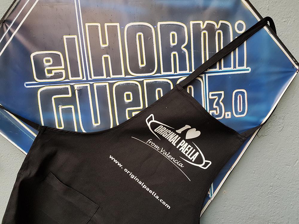 Colaboración entre el programa de televisión El hormiguero 3.0 y la empresa especialista en Paellas Original Paella en el experimento efecto Leidenfrost con bolitas de gel saltando en paella gigante de 2,70 metros